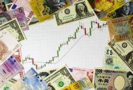 Saxo Bank: Problemele din zona euro ar putea duce cursul la pragul de 4,4 lei