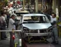 Protest la Dacia: Mii de...