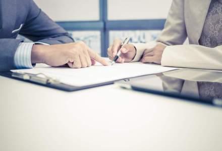 Concediu fara plata: cum pot angajatii sa beneficieze de acest drept. Romanii apeleaza la acest beneficiu pentru a lucra in afara