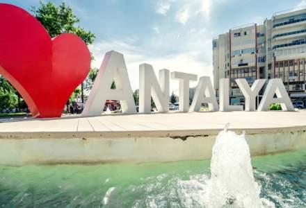 Antalya risca sa piarda 3 milioane de turisi din cauza crizei cu Rusia; hotelierii spera sa fie mai multi turisti romani