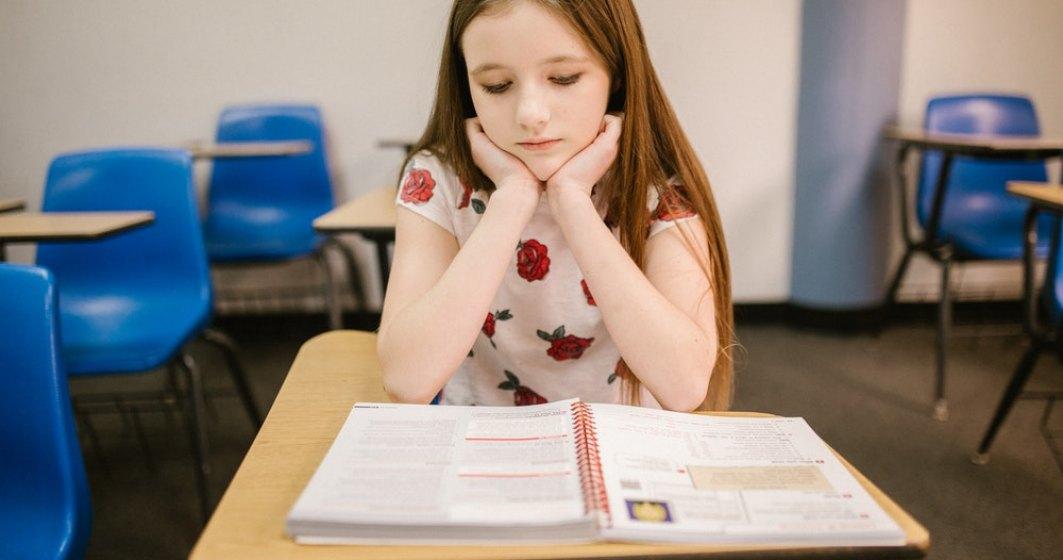 Platforma Alfabetar care evaluează abilitățile de scriere și citire ale elevilor este funcțională începând de azi