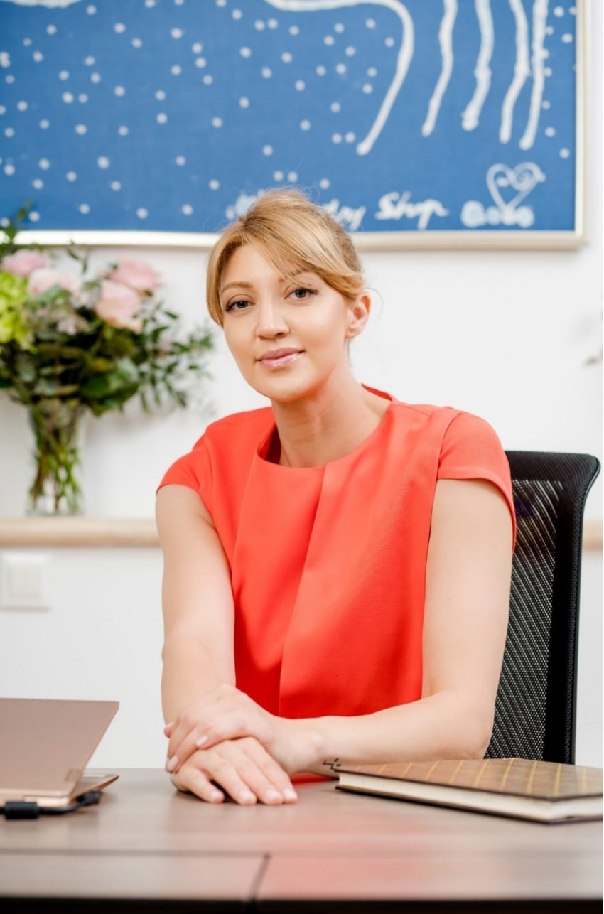 Alina Conu, Kapital HR