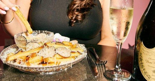 Au fost lansați cei mai scumpi cartofi prăjiți din lume: 200$, aurul inclus
