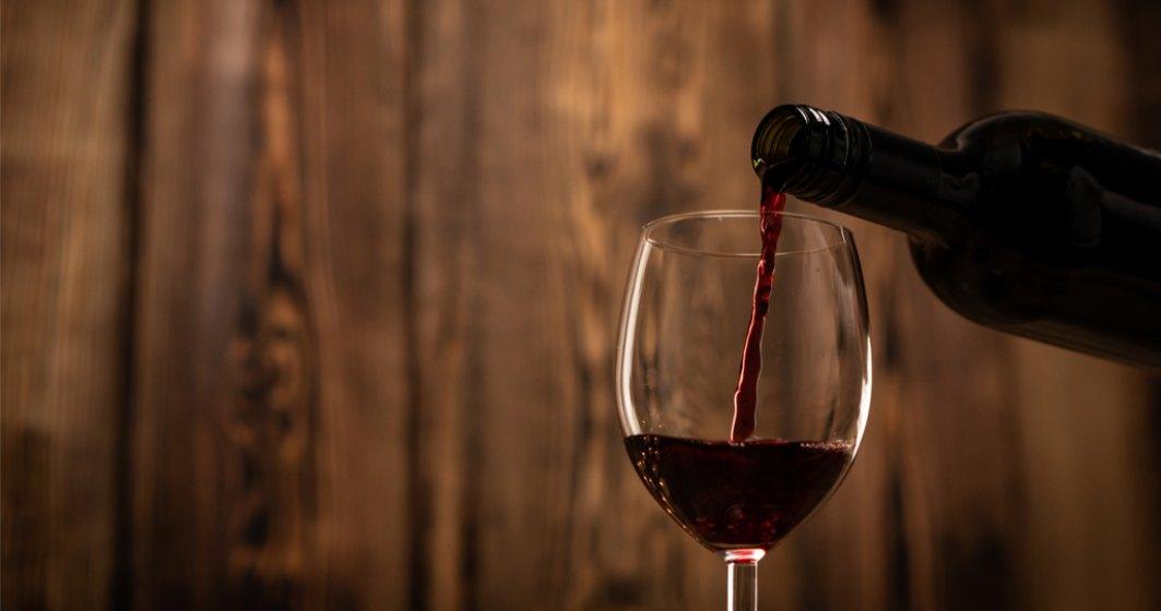 O sticlă de vin care a petrecut 14 luni în spaţiu, vândută pentru 1 mil. dolari