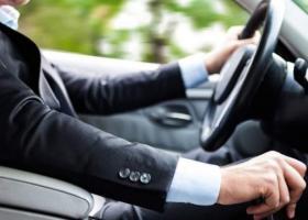 Cât câștigă un șofer angajat la stat față de un coleg din privat