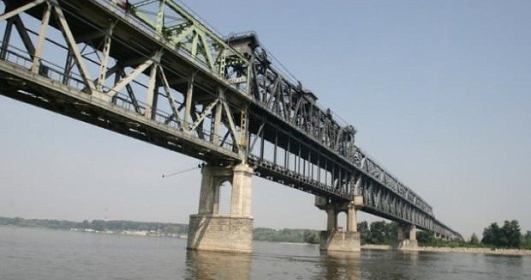 Maşinile care trec podul peste Dunăre în sensul Giurgiu-Ruse nu vor achita tariful de trecere