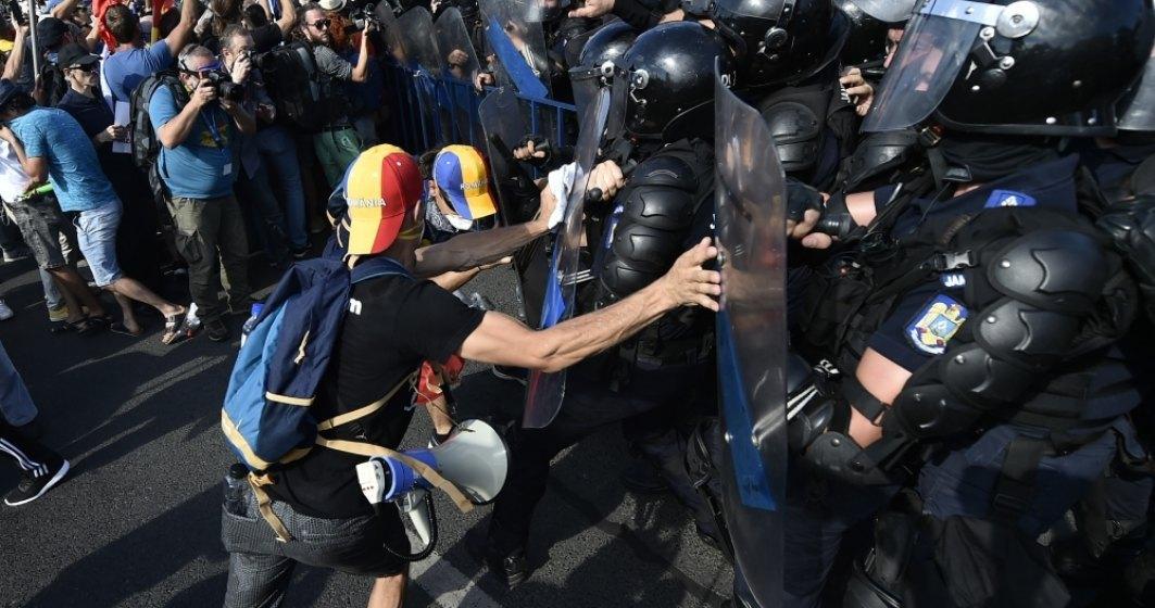 """Jandarmeria, despre violentele asupra protestatarilor: ,,Sunt imagini care nu ne fac cinste"""""""