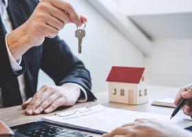 Cât de scump este să îți cumperi o casă prin credit ipotecar în România:...