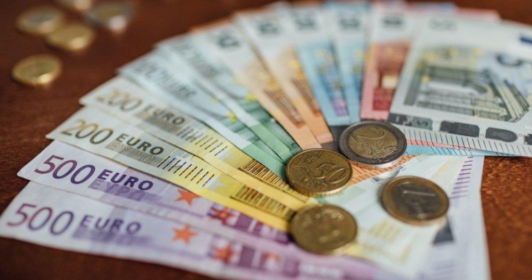 Finanțele au împrumutat 3,5 mld. euro de la investitorii străini