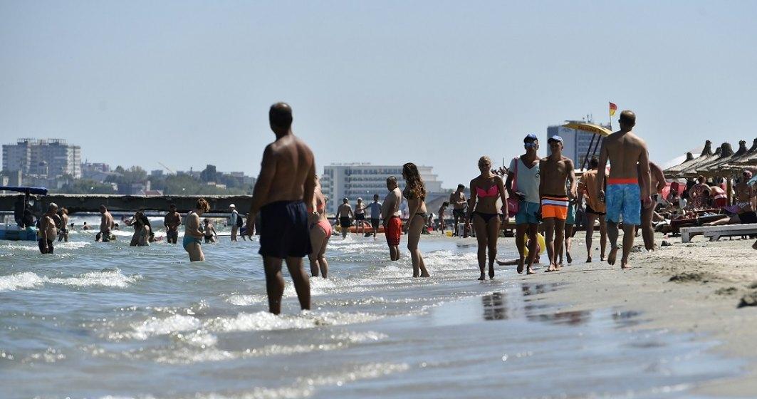 Plaja lărgită din Mamaia nu e pe gustul turiștilor: Nisipul nu mai e fin, sezlongurile sunt prea departe