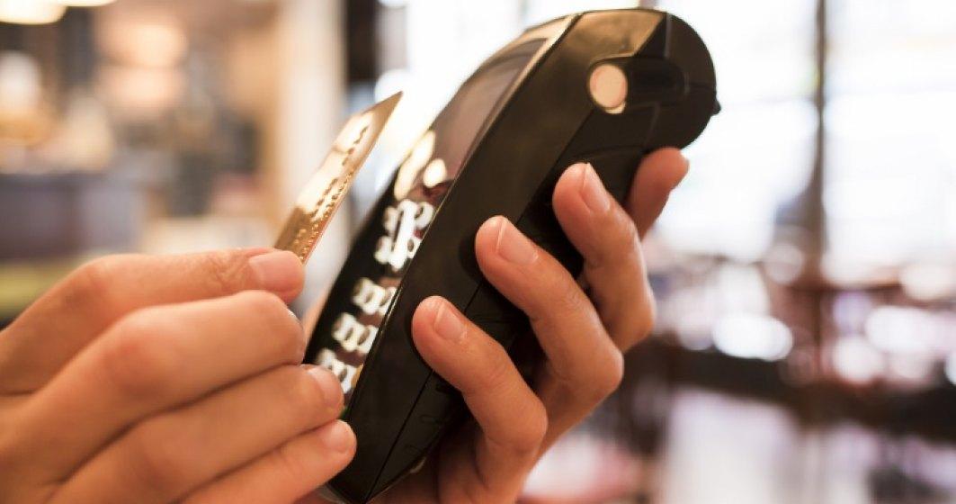 Euromonitor International: Platile cu cardurile de credit la nivel mondial le vor depasi, in 2016, pentru prima oara pe cele in numerar
