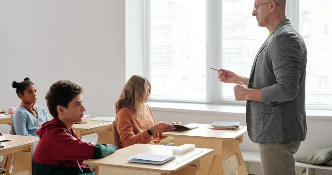 66% din profesorii din România cer redeschiderea școlilor