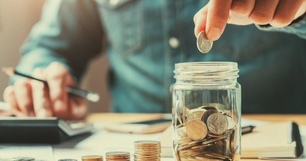 Cum te ajută băncile să îți pui bani deoparte: Soluții de economisire oferite de creditori