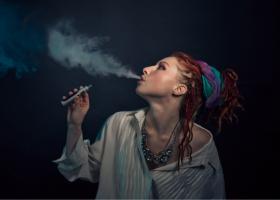 OMS este împotriva țigărilor electronice și cere înăsprirea reglementărilor