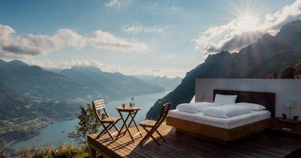 FOTO  Vacanță sub clar de lună: 5 locații de lux unde poți dormi în aer liber