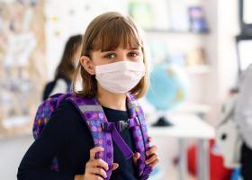 Ministrul Sănătății: Elevii nu mai au voie să vină la școală cu măști textile
