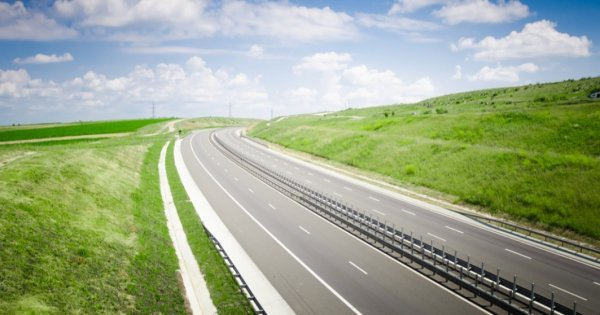 Un ofertant pentru proiectarea și execuția secțiunii 2 a Autostrăzii Sibiu –...