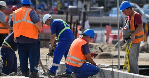 Cât câștigă un muncitor în construcții în România. Ce salarii oferă firmele