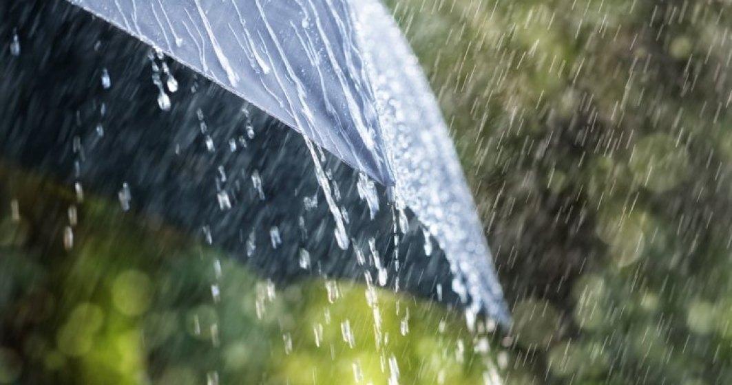 Cod galben de ploi torentiale, vijelii si grindina in toata tara, pana miercuri la ora 23:00