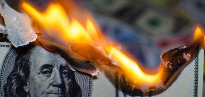 Angajaţii Morgan Stanley, ameninţaţi cu tăieri de salarii dacă mai lucrează...