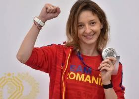 Ana-Maria Popescu își cere scuze că nu a răspuns salutului ministrului Eduard...