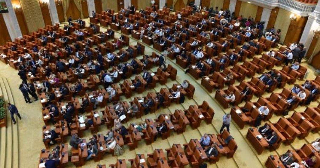 Legea privind reducerea numarului de parlamentari la 300, adoptata tacit de Senat