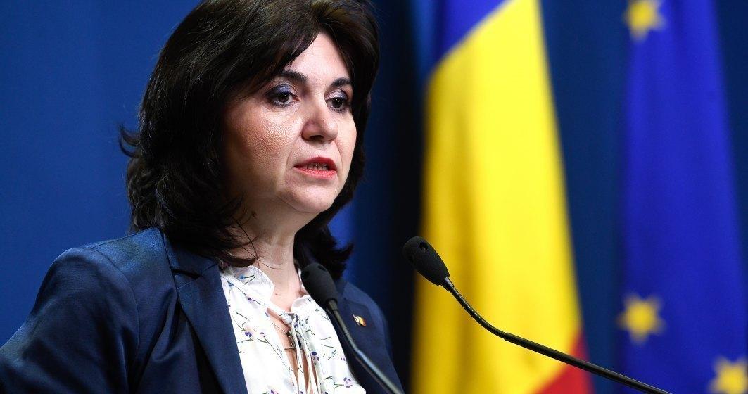Ministrul Educației o contrazice pe Turcan: Nu există sub nicio formă scenariul in care se îngheață anul scolar