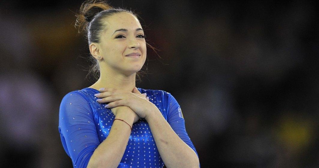 Echipa de gimnastică feminină a României, medaliată cu argint la Campionatele Europene
