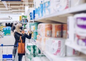 Clienții Cora vor putea cumpăra produse din hipermarket prin aplicația Tazz...