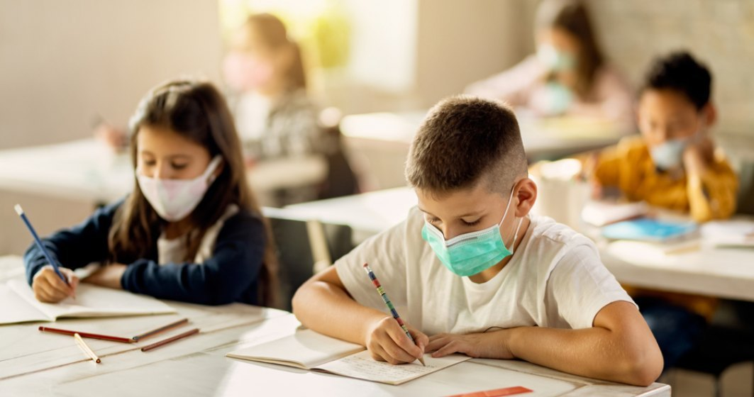 Mai multe ONG-uri solicită un plan de măsuri privind organizarea anului şcolar 2021-2022