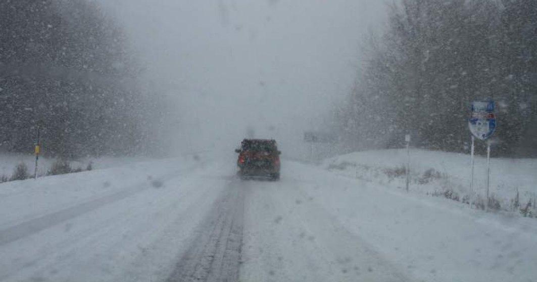 Pe Transfagarasan se circula in conditii de iarna