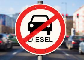 OFICIAL: Marea Britanie interzice camioanele pe benzină și motorină care...