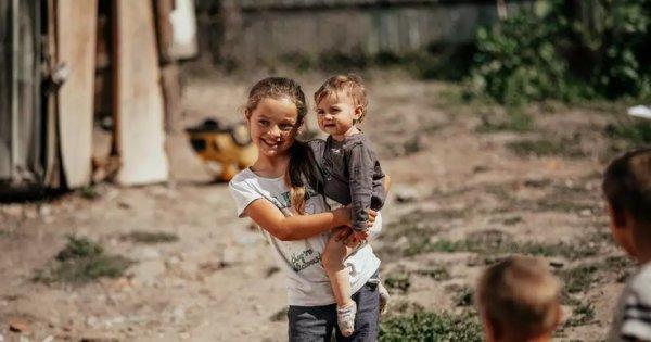 Mulți dintre români nu fac față cheltuielilor minimale: 40% dintre gospodării...