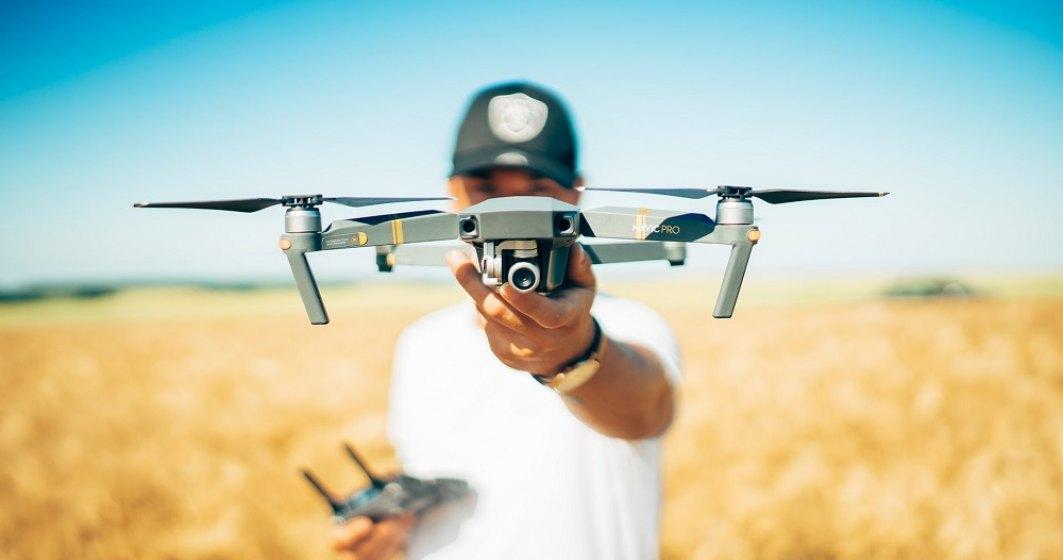 Țigările au făcut un zbor Ucraina – România. Un bărbat le-a transportat cu drona și le-a lăsat într-o livadă