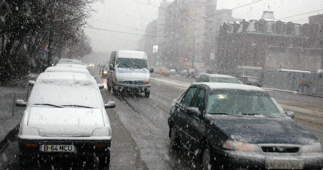 Autostrada A2, inchisa intre Bucuresti si Drajna, drumurile nationale sunt deschise. In Capitala, troleibuzele circula cu dificultate