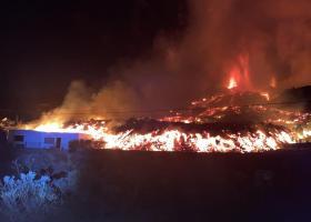 VIDEO | Erupția vulcanului din La Palma: zboruri anulate, case distruse și...