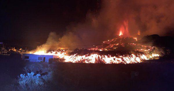 VIDEO   Erupția vulcanului din La Palma: zboruri anulate, case distruse și...