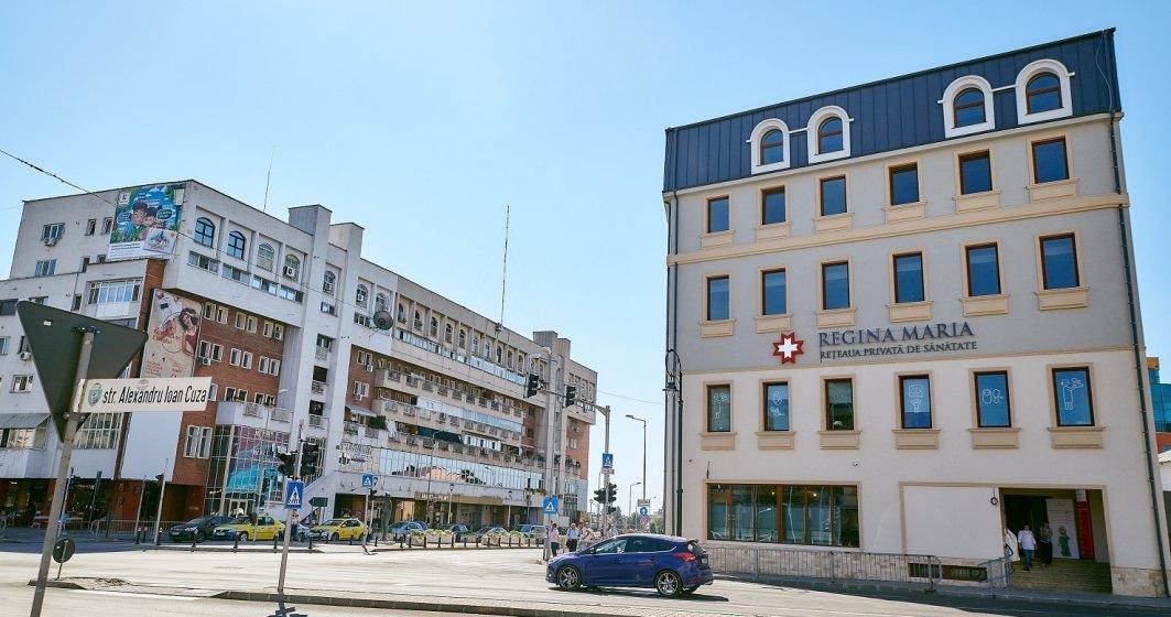 1995 - Se deschide Centrul Medical Unirea, ce se va transforma in Reteaua privata de sanatate Regina Maria