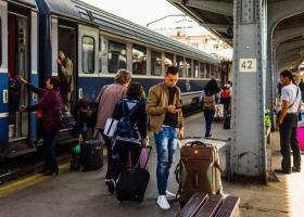 """Directorul CFR, după ce 30 de copii au stat blocați 8 ore în tren: """"De ce mă..."""