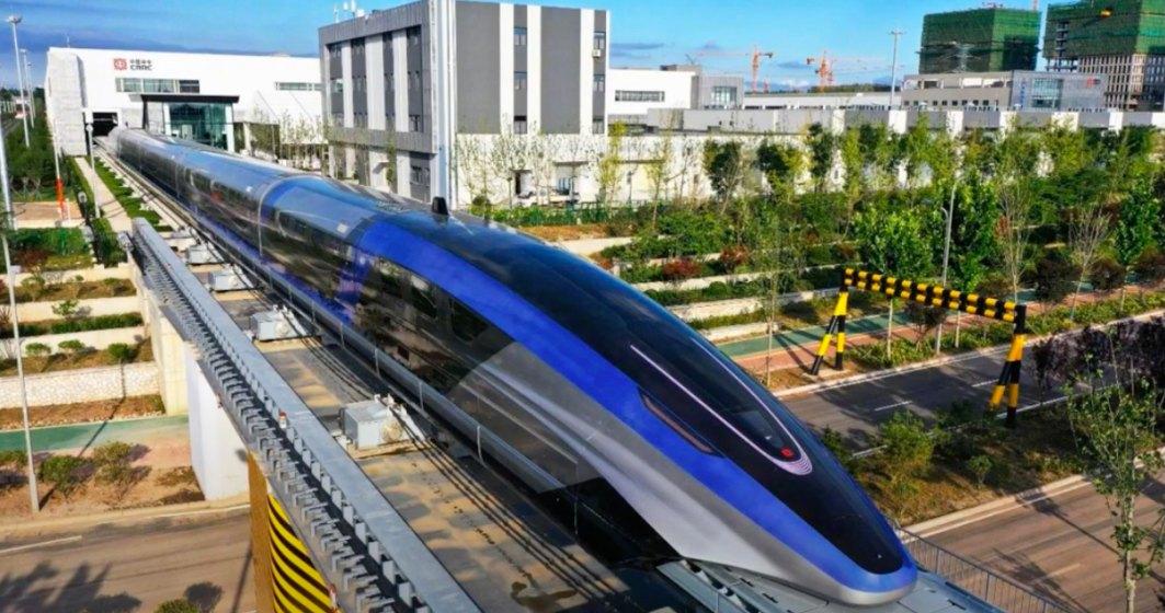 China a prezentat un tren care atinge 600 km/h. Este cel mai rapid vehicul terestru din lume
