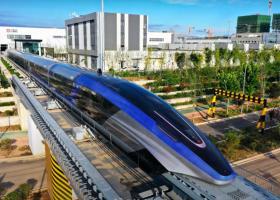 China a prezentat un tren care atinge 600 km/h. Este cel mai rapid vehicul...