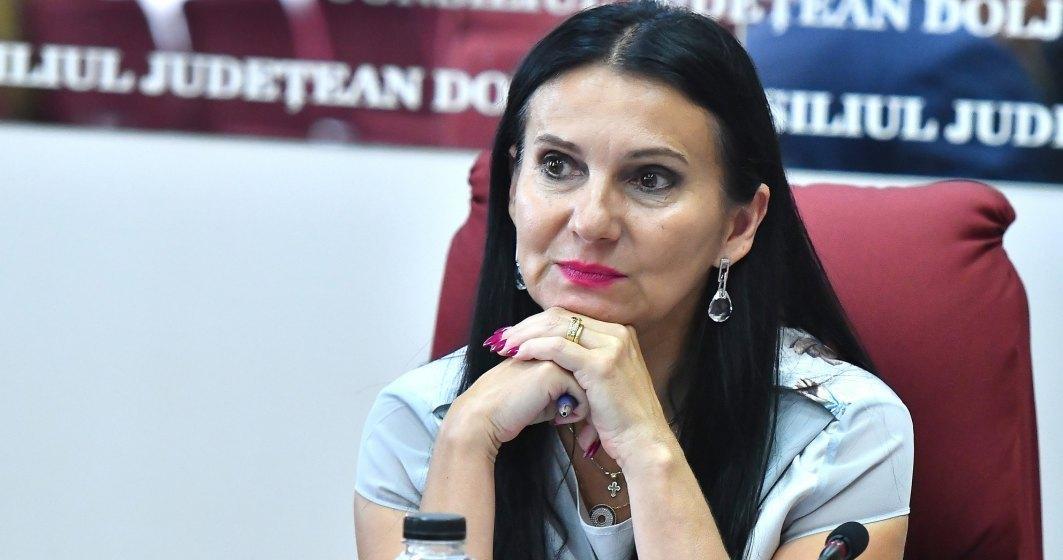 Sorina Pintea, adusă fără cătușe la Curtea de Apel care va decide dacă rămâne sau nu în arest