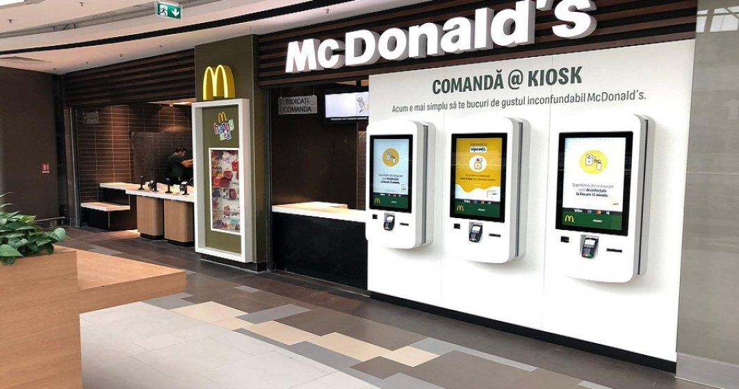 Pandemia accelerează digitalizarea. McDonald's investește peste 100.000 de euro în digitalizarea restaurantului din București Mall