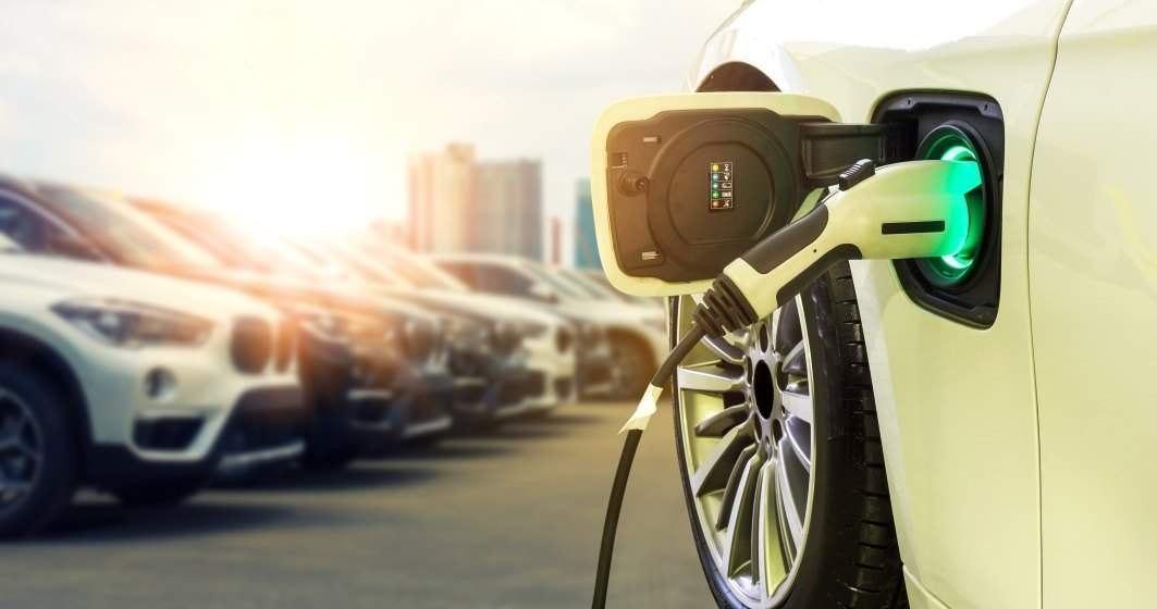 Uniunea Europeană a pus gând rău șoferilor cu mașini diesel și pe benzină. Până când va trebui să trecem la mașinile electrice