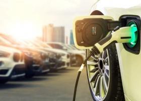UE va interzice vânzarea de mașini noi pe benzină și diesel