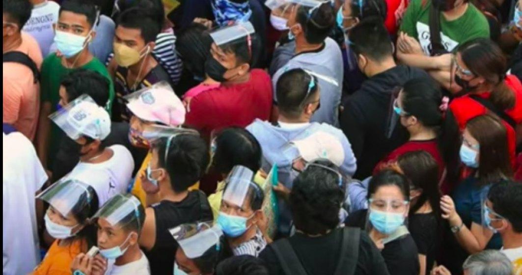 Haos în Manila: mii de oameni se grăbesc să se vaccineze înainte de închiderea oraşului