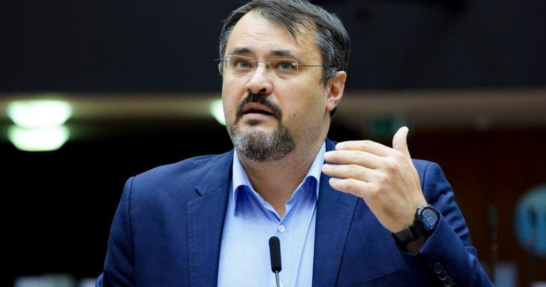 Ghinea îi propune un pariu lui Ciolacu: Dacă nu e aprobat PNRR, imi dau demisia. Dacă e aprobat, îți dai demisia din fruntea PSD