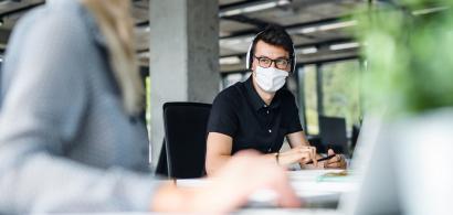 Soluția software care îți spune dacă este vaccinat colegul tău de birou:...