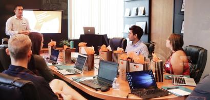 Banca Transilvania și WellCode lansează burse pentru cei interesați de...