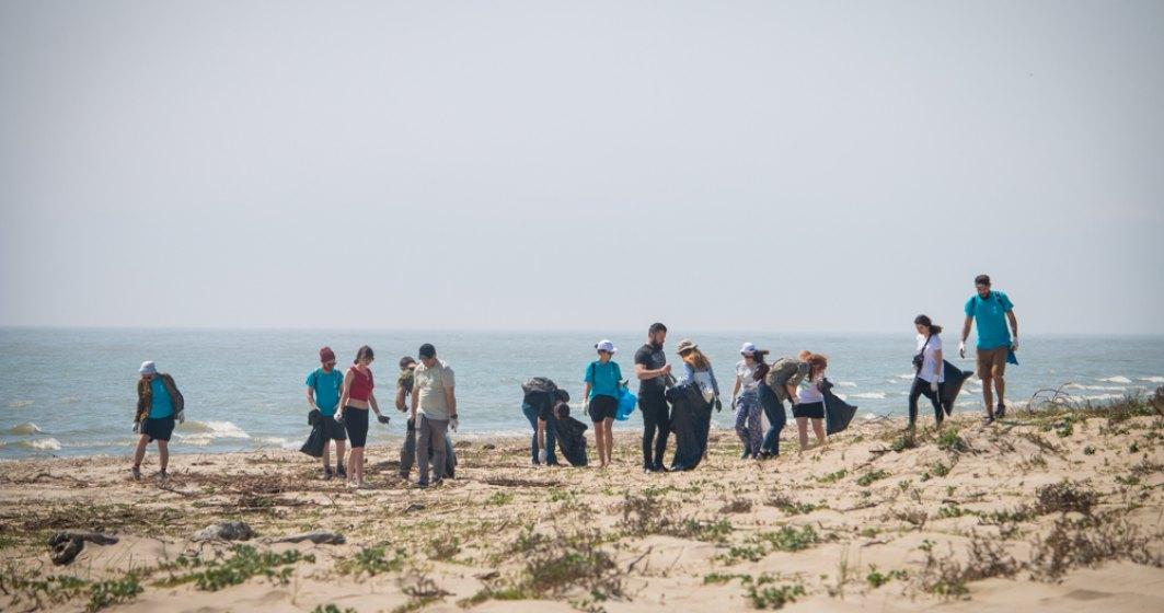 """4,2 tone de plastic ajung zilnic din Dunare in Marea Neagra. Asociatia MaiMultVerde face apel la o Dunare """"Cu apele curate"""""""